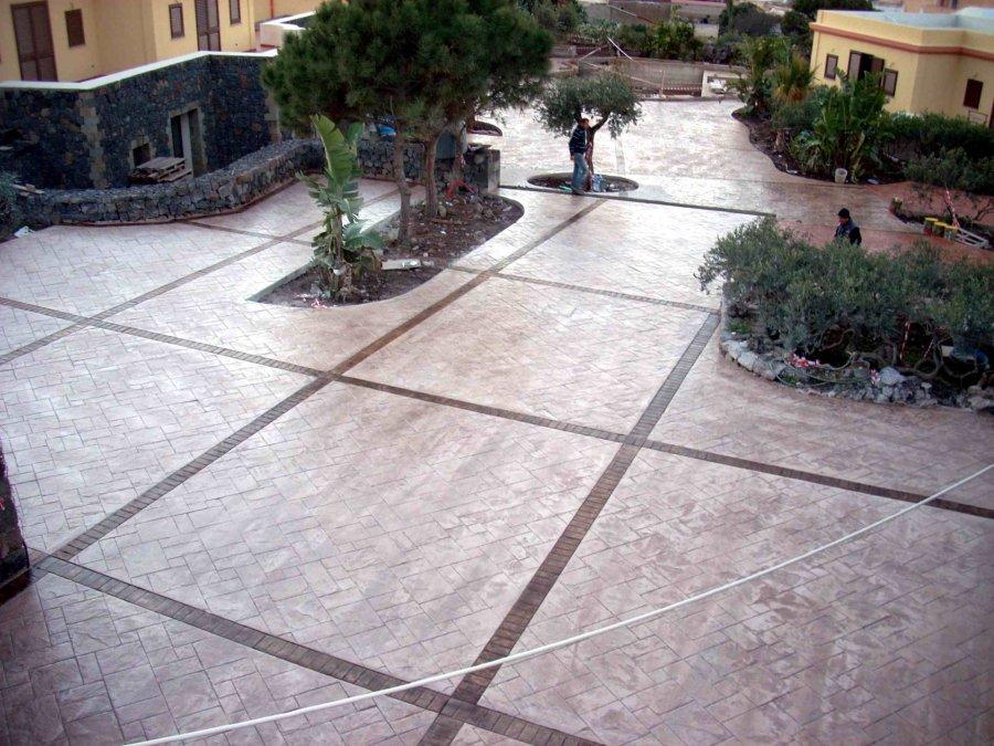 Immagine 32/60  Pavimenti in cemento stampato